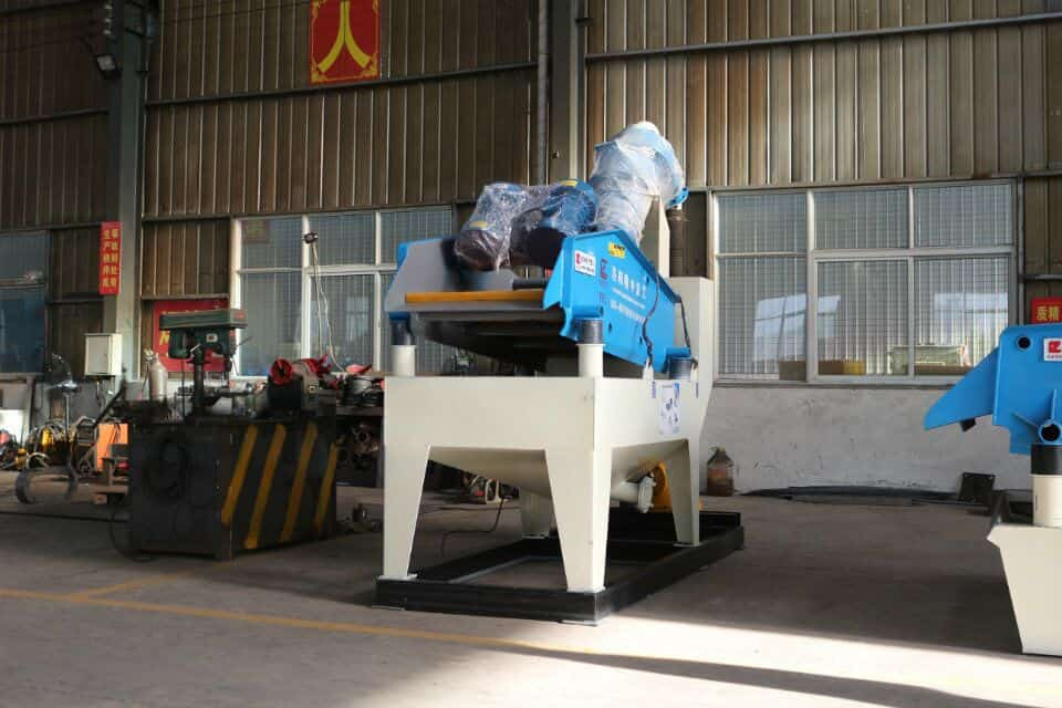 The fine sand recovery equipment production line is arranged properly.